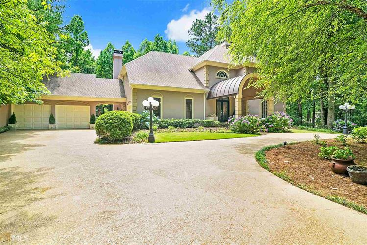 240 Galsworthy Ct, Roswell, GA 30075