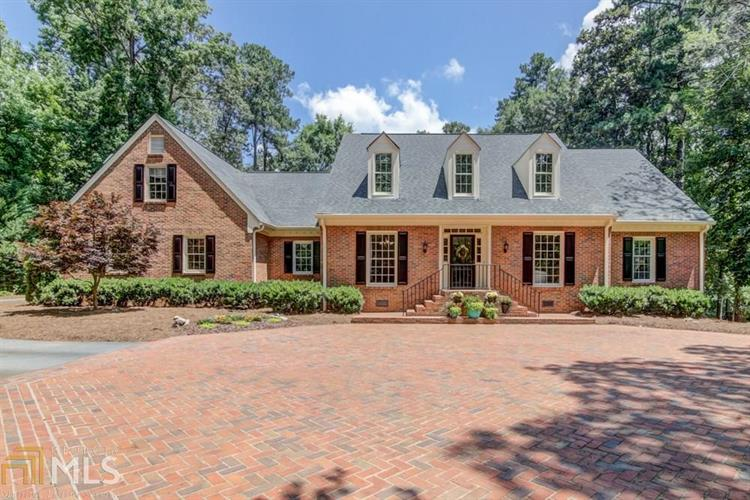 520 Valley Hall Dr, Sandy Springs, GA 30350
