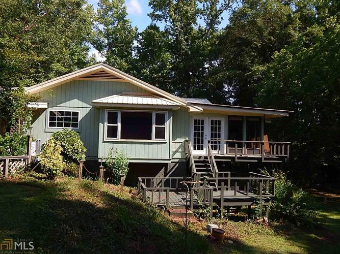 155 Luther Bailey, Senoia, GA 30276