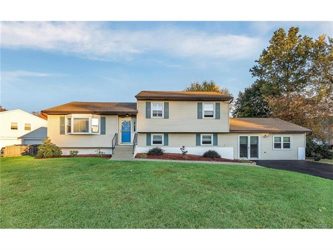 2 New Castle Drive, Washingtonville, NY 10992