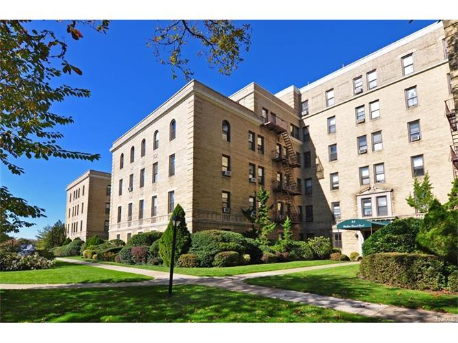 43 Calton Road, New Rochelle, NY 10804
