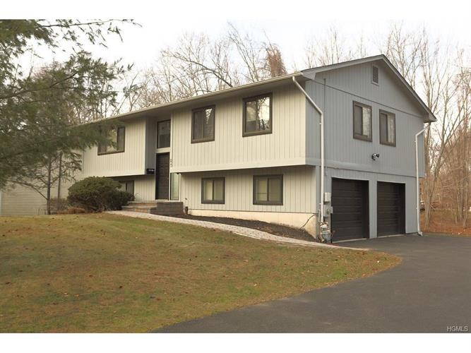102 Green Road, West Nyack, NY 10994
