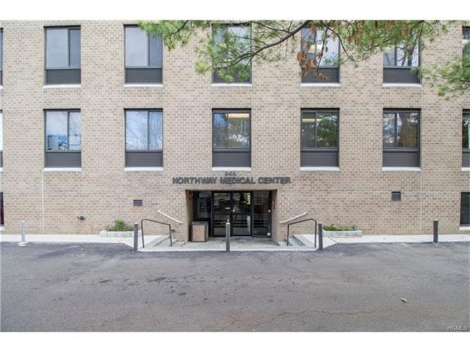 944 North Broadway, Yonkers, NY 10701