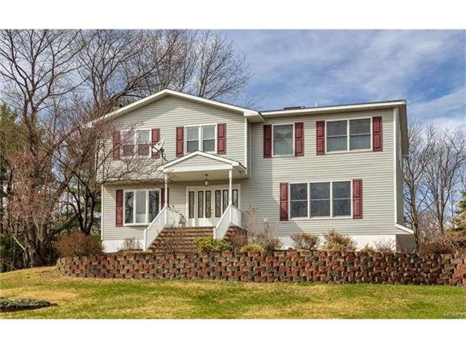 10 Deer Path Way, Monroe, NY 10950