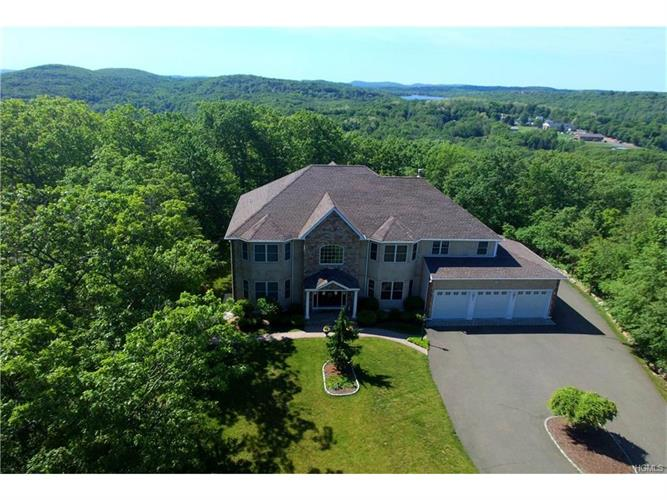 8 Red Fox Court, New Fairfield, CT 06812