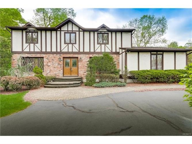 7 Bell Court, Airmont, NY 10901