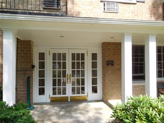 3 consulate drive tuckahoe ny 10707 mls 4736265 for Consul windows
