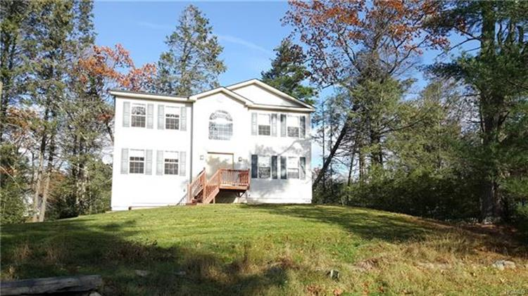 283 Old Sackett Road, Rock Hill, NY 12775