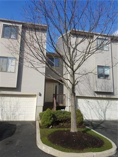 8 Queens Court, Nanuet, NY 10954 - Image 2