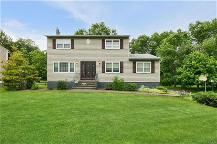 108 Barnes Road, Washingtonville, NY 10992