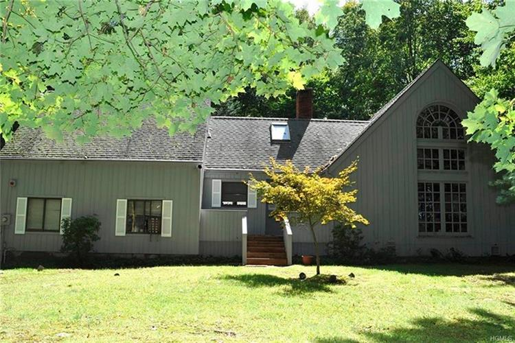 98 Old Wagon Road, Bedford Corners, NY 10549 - Image 1