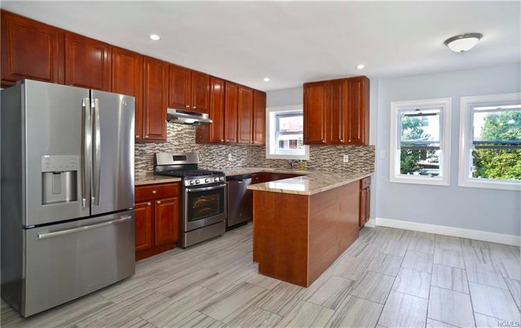 253 Huntington Avenue, Bronx, NY 10465 - Image 1