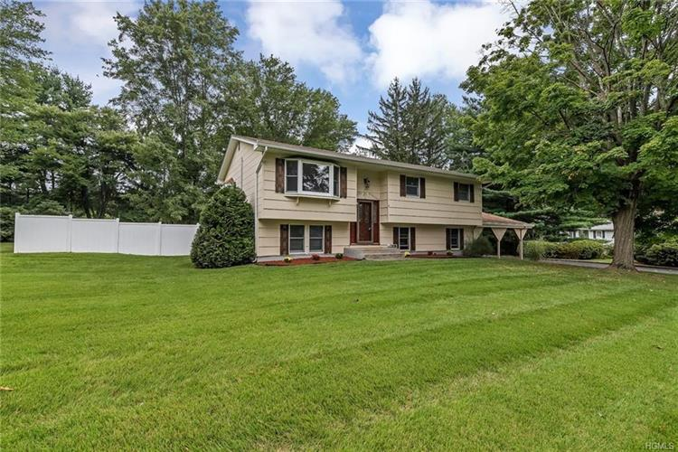 4 Violet Court, Suffern, NY 10901