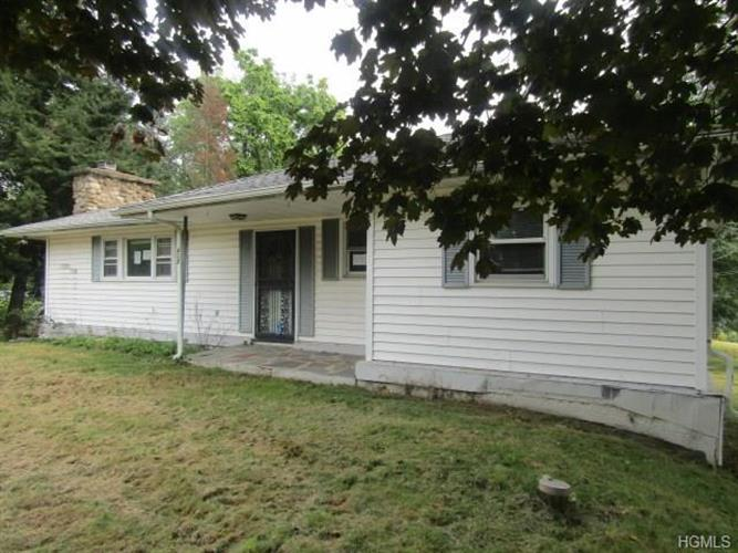 402 St Andrews Road, Walden, NY 12586 - Image 1