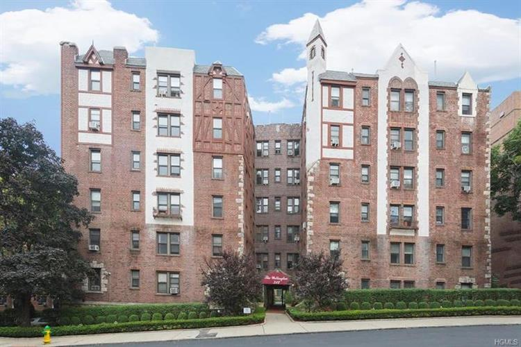312 Main Street, White Plains, NY 10601