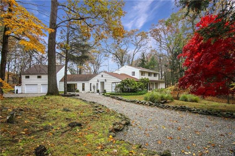 3 The Logging Road, Waccabuc, NY 10597