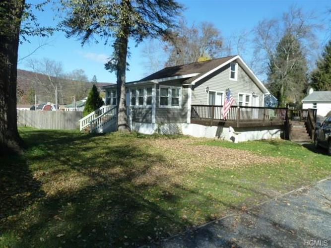 1136 State Route 17a, Greenwood Lake, NY 10925