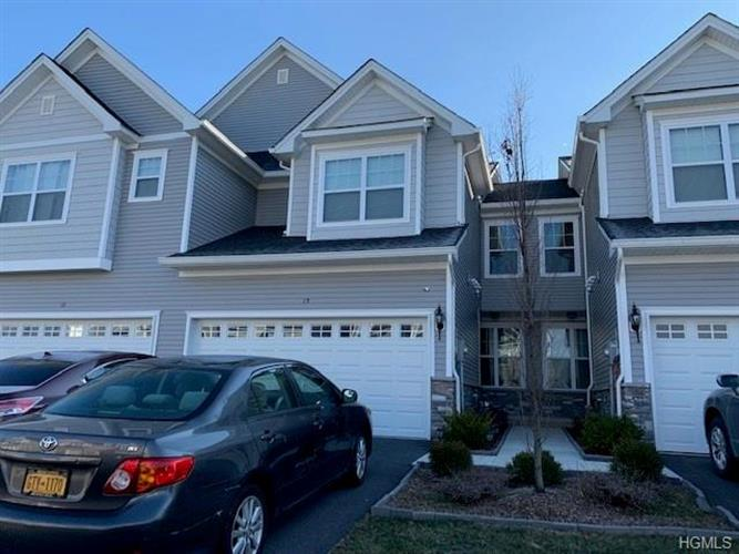 15 Lindentree Lane, Middletown, NY 10940 - Image 2