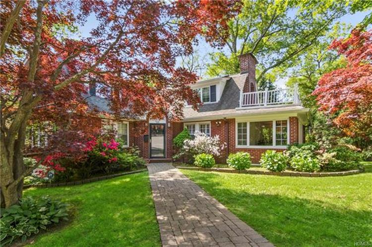 128 Hickory Grove Drive East, Larchmont, NY 10538 - Image 1