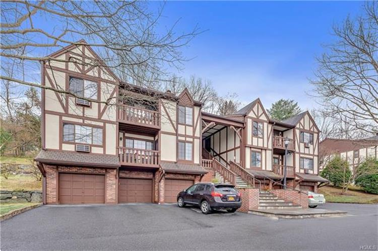 93 Foxwood Circle, Mount Kisco, NY 10549 - Image 1