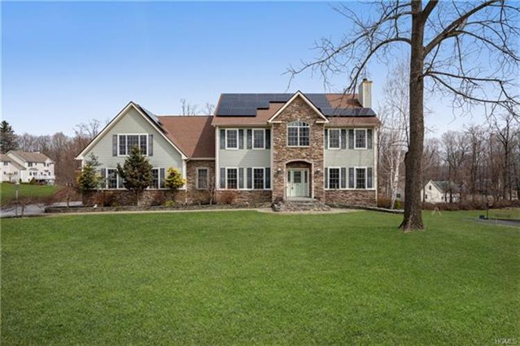 19 Albertanna Court, Hopewell Junction, NY 12533 - Image 1