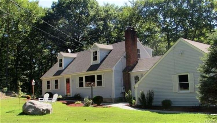 32 Little Fox Lane, Weston, CT 06883 - Image 1