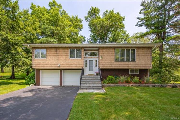 12 Lakeview Avenue East, Cortlandt Manor, NY 10567 - Image 1