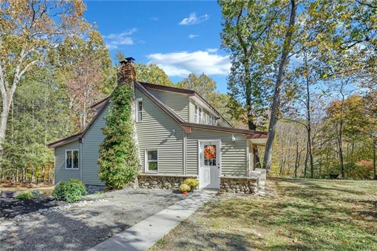12 Minsis Lane, Greenwood Lake, NY 10925 - Image 1