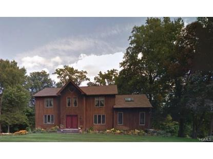 8 Nicole Way, Chestnut Ridge, NY
