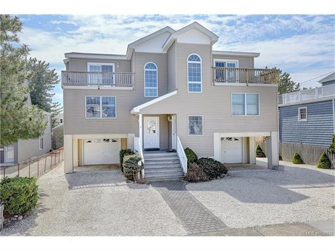 328 Kentford, Beach Haven, NJ 08008