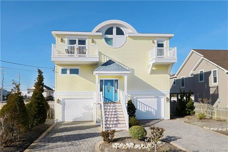 104 W 25th, Ship Bottom, NJ 08008