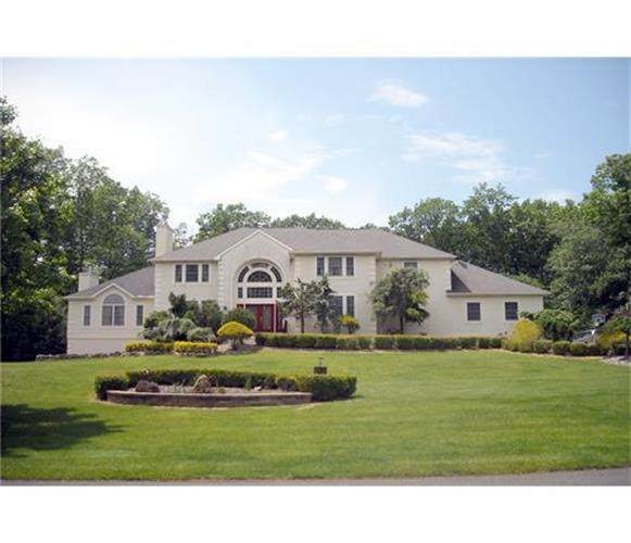 8 Stoney Brook Drive, MILLSTONE TOWNSHIP, NJ 08510