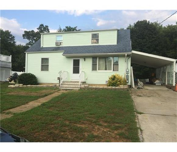 18 Mimi Road, Old Bridge, NJ 08857