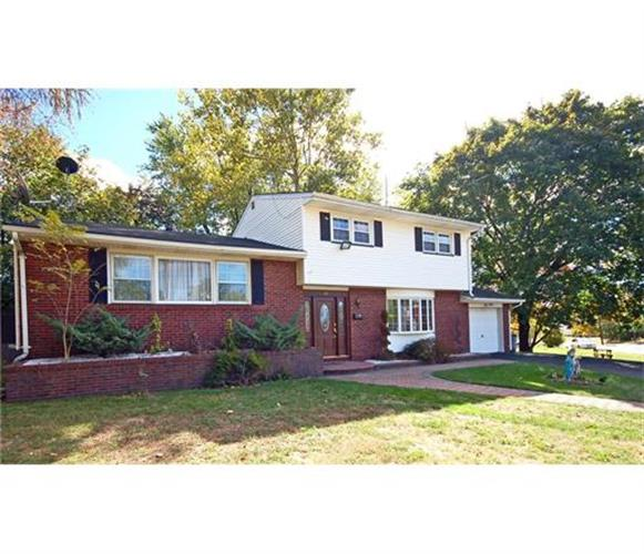 60 Corona Road, East Brunswick, NJ 08816