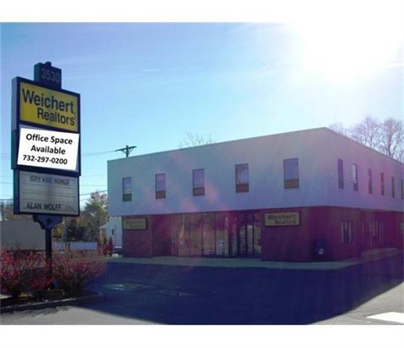 3530 State Route 27 #203 Highway, Kendall Park, NJ 08824