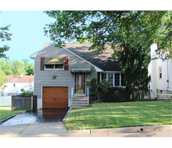 205 Florence Avenue, Colonia, NJ 07067