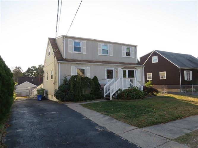 109 Coolidge Avenue, Parlin, NJ 08859