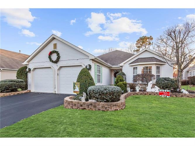 28 Skyline Drive, Lakewood, NJ 08701