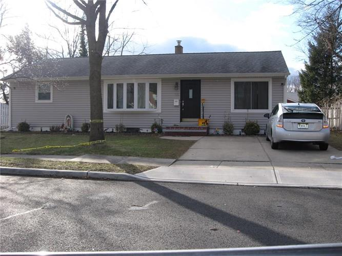 33 Burnham Road, East Brunswick, NJ 08816
