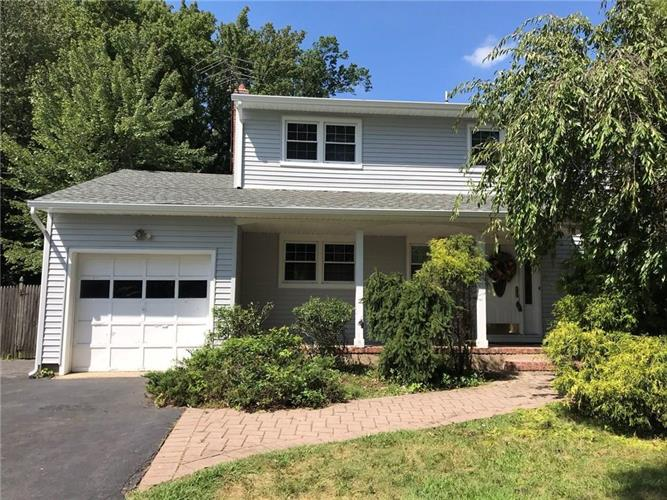 18 Devon Road, Edison, NJ 08820