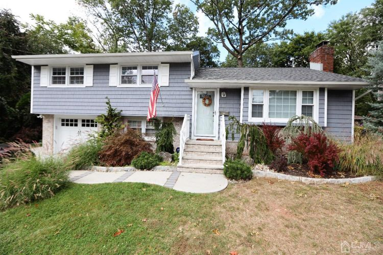 32 lexington Drive, Metuchen, NJ 07095 - Image 1