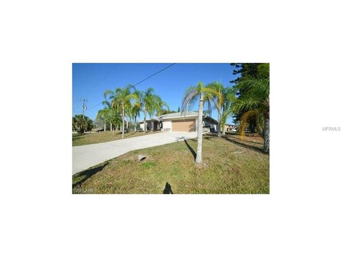 2611 SW 2ND PL, Cape Coral, FL 33914
