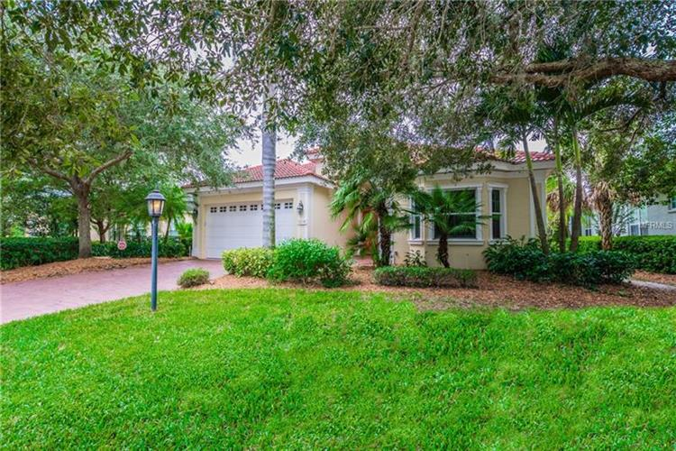 8238 ABINGDON CT, University Park, FL 34201
