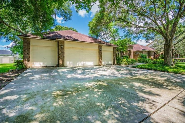 2907 TIMBER KNOLL DR, Valrico, FL 33596