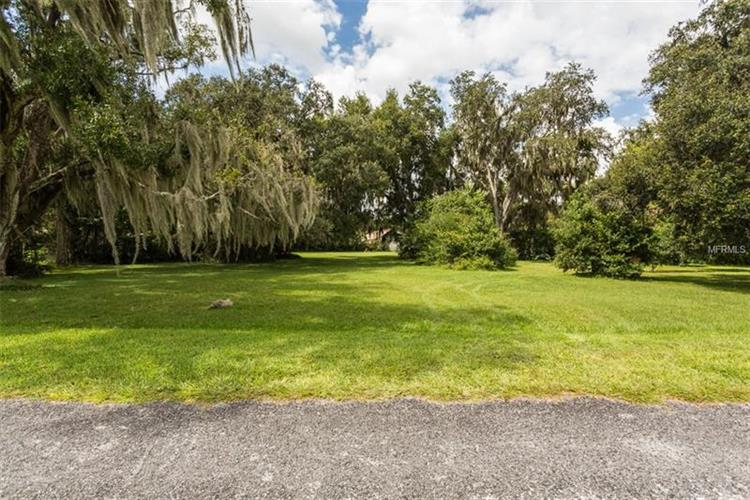 608 LAKEVIEW AVE, Seffner, FL 33584 - Image 1