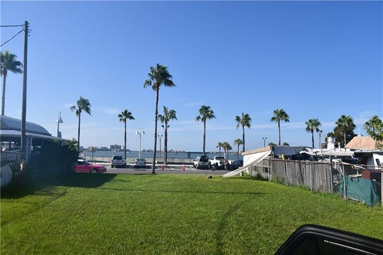 5523 SHORE BLVD, Gulfport, FL 33707