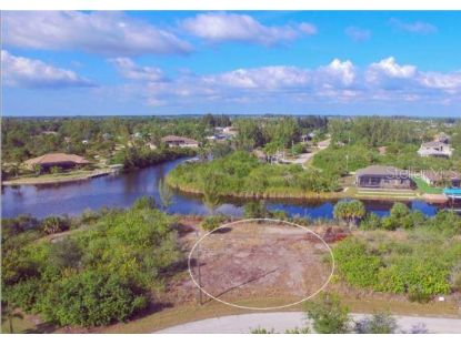 15642 APPLEWHITE CIR Port Charlotte, FL MLS# D6113944