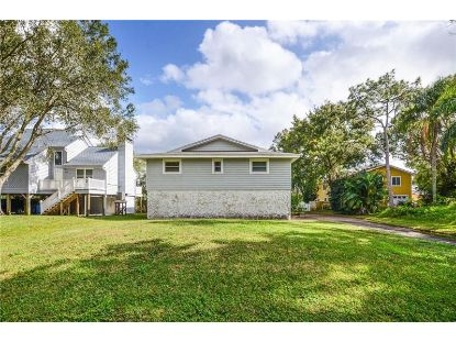 8119 BAY DR Tampa, FL MLS# T3278461