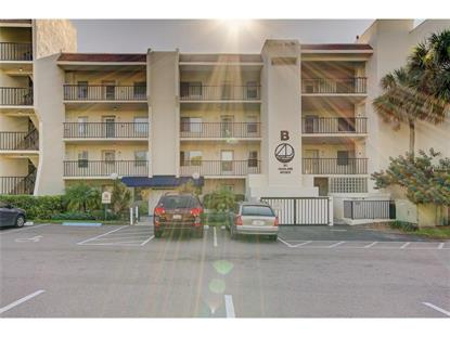 90 S HIGHLAND AVE #418 Tarpon Springs, FL MLS# U7817984