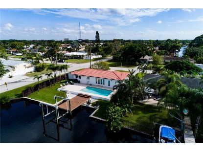 9598 TREASURE LN NE St Petersburg, FL MLS# U8102643